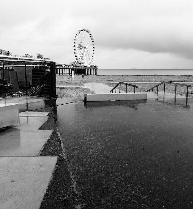 Peinzen op de Pier